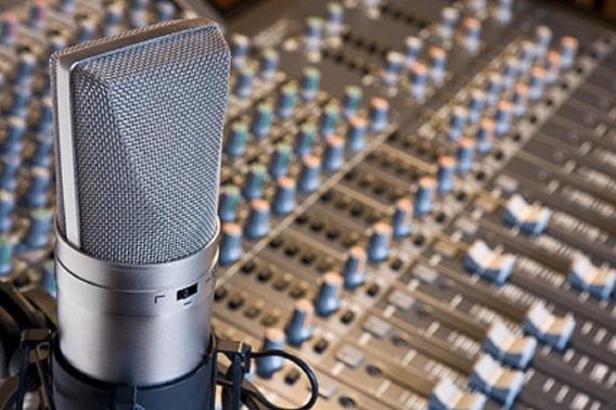Gravação De Offs,vozes So R$ 16,87,mais De 30 Vozes