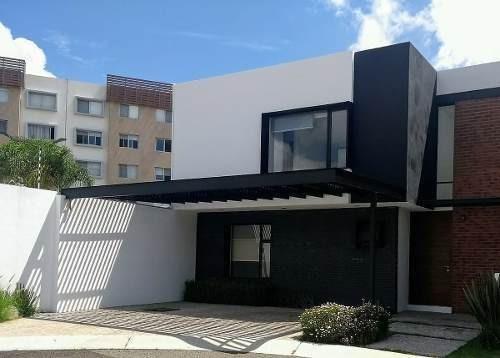 Preciosa Casa En La Vista, 4ta Recámara En Pb, Alberca, 4 Baños, Premium!
