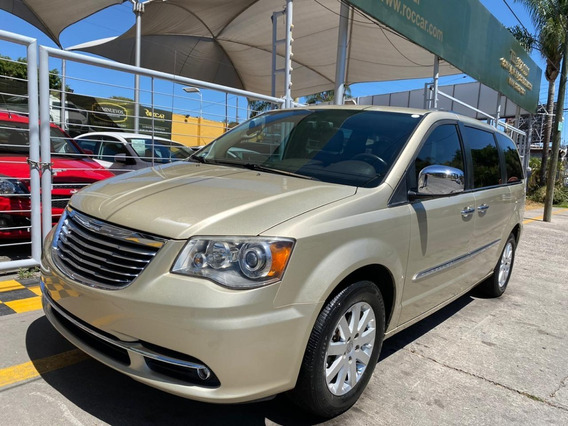 Chrysler Town Country Limited 2011