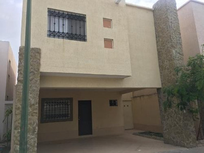 Casa En Venta En Fracc La Esmeralda Montebello, Torreón