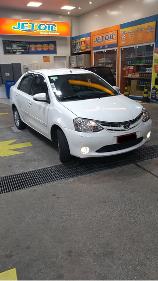 Toyota Etios Sedan 2015 Motor 1.5 Branco 5 Portas