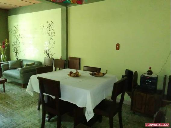 Casas En Venta Es Castaño / Vanessa 04243219101
