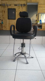 Cadeira De Barbeiro Reclinável Semi-nova