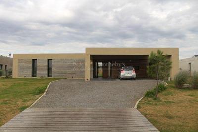 Casa Nueva Moderna En Vi