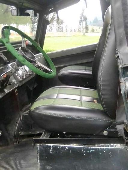 Land Rover Santana Motivo: Viaje