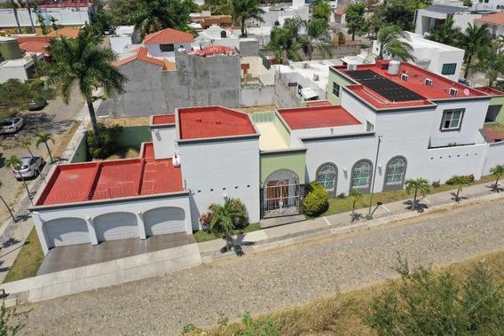 Casa En Venta En Real Vista Hermosa, Colima