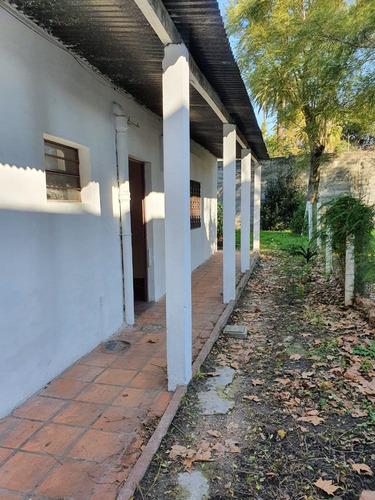 Casita 42mts+patio Y Fondito 10mts 19 De Junio Y Calderon
