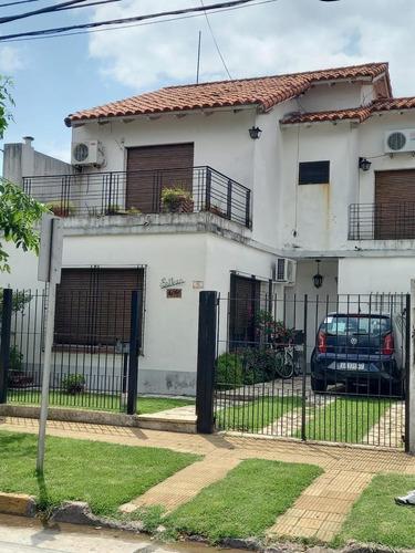 Imagen 1 de 28 de Casa Con Jardín - Excelente Ubicación - Martinez.