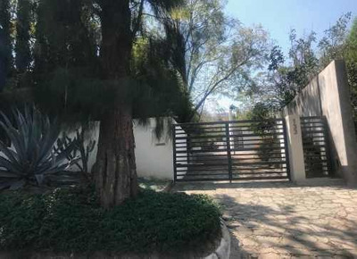 Preciosa Casa En Venta En Las Cañadas, Tiene Alberca