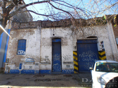 Depósito En Venta En La Platacalle 62 E/ 5 Y 6 Dacal Bienes Raices