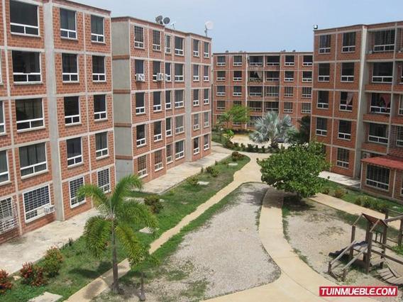 Apartamentos En Venta. Carayaca Estado Vargas. Mg A15