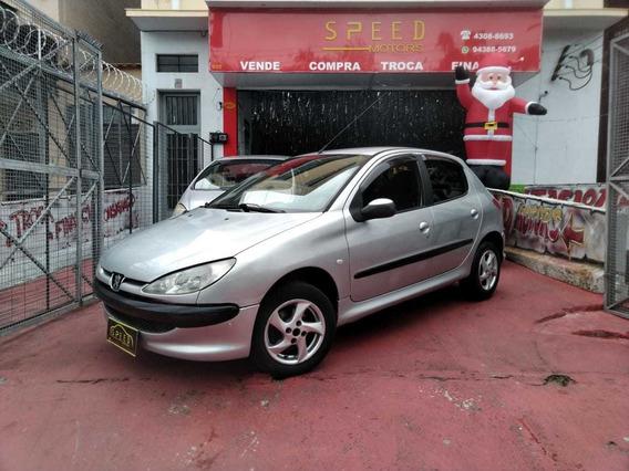 Peugeot - 206 Presence 1.4 - 2004 - Aceito Troca - Financio