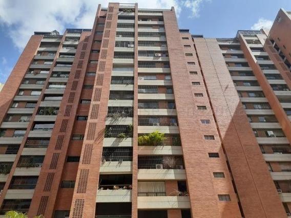 Apartamento En Venta Mls #20-7968