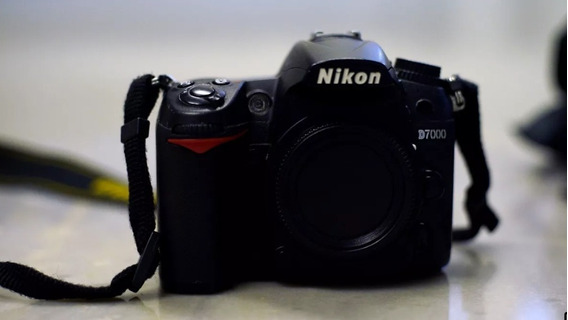 Nikon D7000 + 2 Lentes + Acessórios