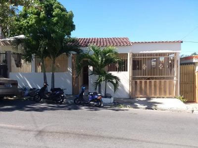 Hermosa Comoda Casa Muy Bien Ubicada En Urba Real Santiago.