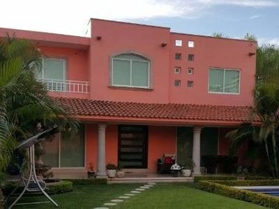 Excelente Casa Habitación En Zona Residencial Exclusiva Xochitepec