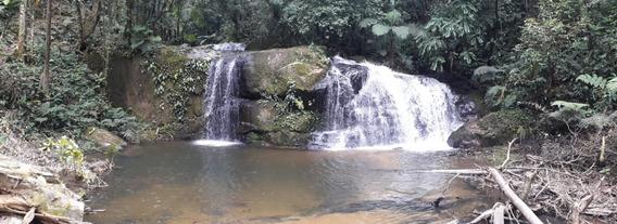 Sítio Com Cachoeira. 208 Mil Metros Quadrados.