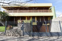 Alquiler Importante Casa De 684 M² Cubiertos
