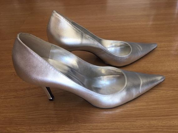 Sapato Modelo Scarpin Prata
