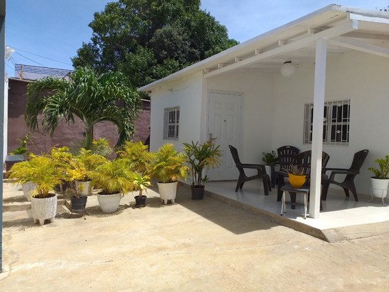 Casa En Venta En La Vela De Coro Mls #19-16476