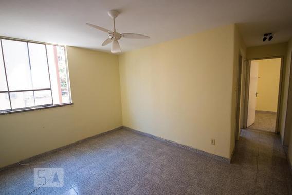 Apartamento No 2º Andar Com 2 Dormitórios E 1 Garagem - Id: 892961901 - 261901