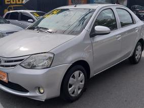 Toyota Etios Sedán 1.5 X 2014 !!!