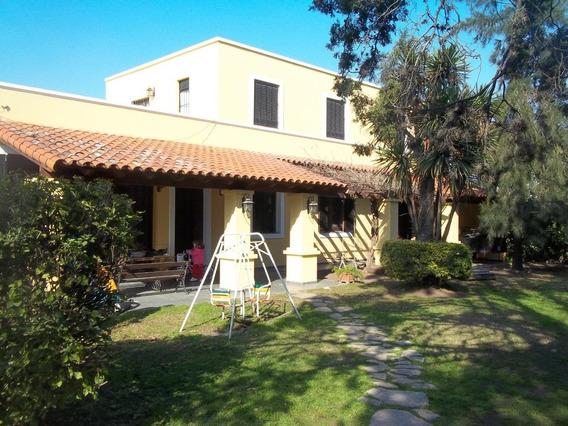 Departamento 3 Dormitorios Cochera, Pileta Complejo Cerrado