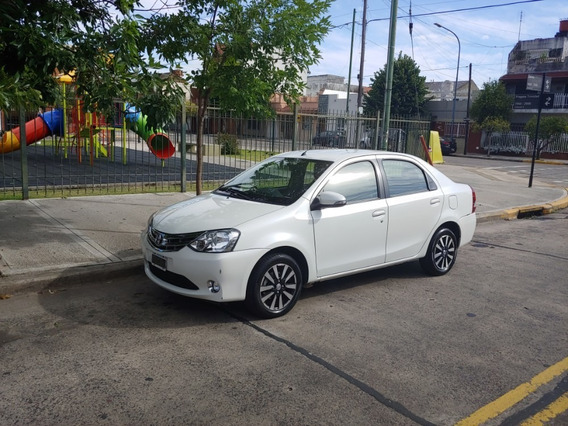 Toyota Etios Sedan Platinum 2015 Impecable