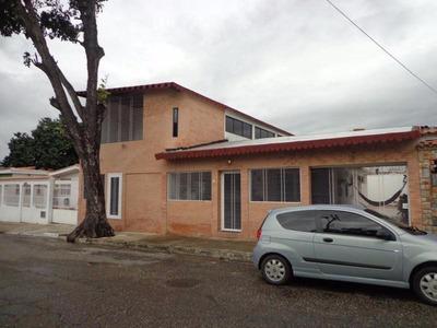 Venta Amplia Casa En San Diego 2 En 1, Rbsd