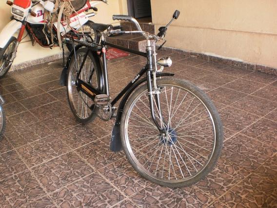 Antiga Bicicleta. Lindissima