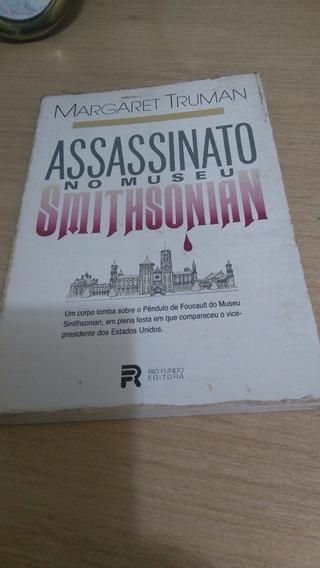 Livro Assassinato No Museu Smithsonian