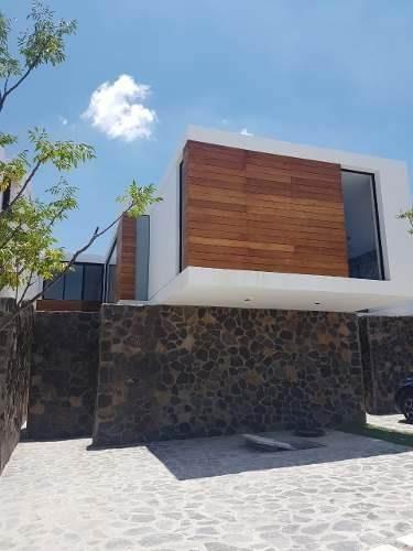 Casa En Querétaro De 2 Recámaras Con Acabados De Lujo