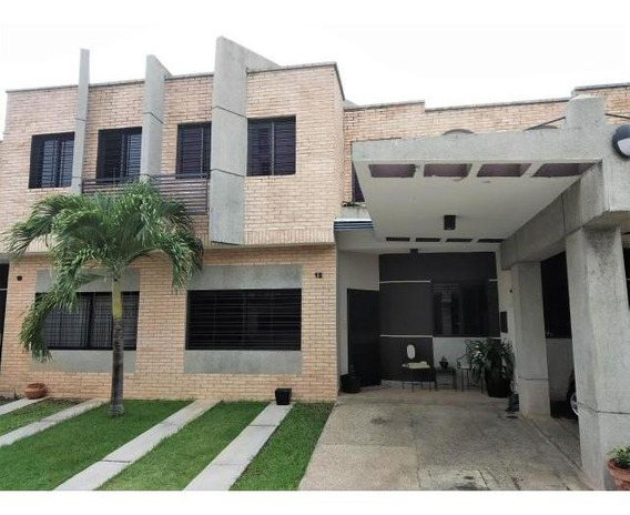 Casa En Venta Los Mangos 20-7470 Mz