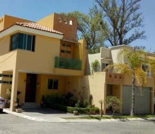 Casa Tatuan En Coto Priv. Hacienda Real 1ra. Sección