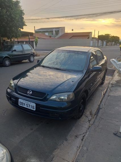Chevrolet Astra 1.8 Gl 4 Portas