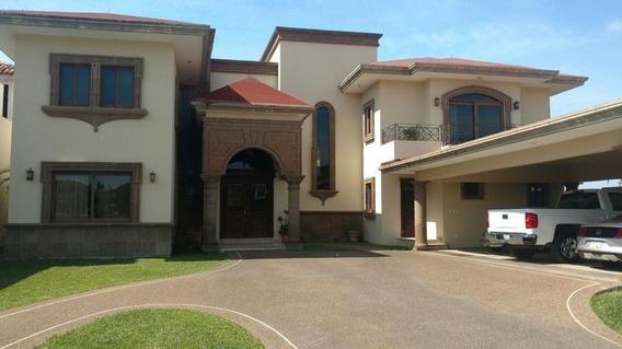 Casa En Venta En Tampico Fracc. Lomas De La Aurora