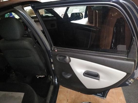 Se Vende Chevrolet Corsaiii Sedan Año 2010