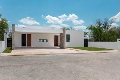 Residencia Equipada De 1 Planta En Privada Con Amenidades Y Seguridad 24/7.