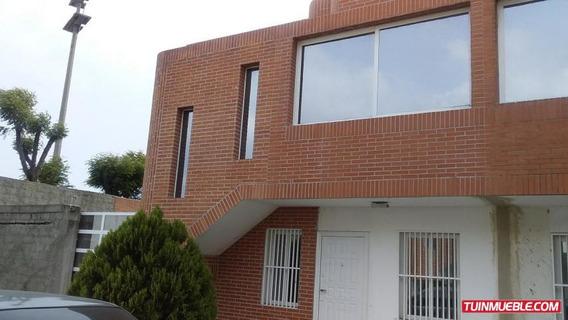 Casa En Venta Cumboto Norte Cod.19-9094 Cel. 0412-0331465
