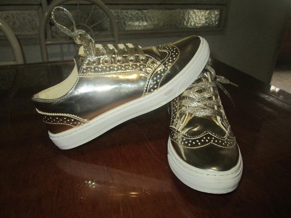 Zapatos Metalizados Dorados