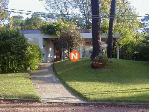 Casa En Venta, Mansa, Punta Del Este, 4 Dormitorios.- Ref: 205994
