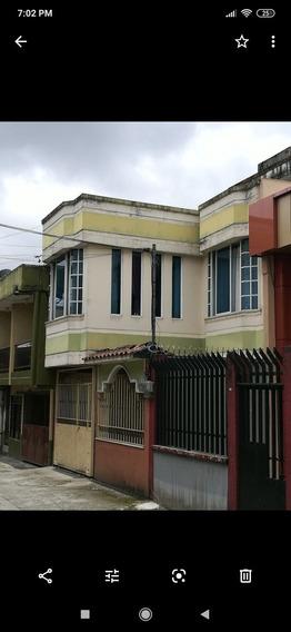 Casa De 4 Habitaciones Y 3 Bajos