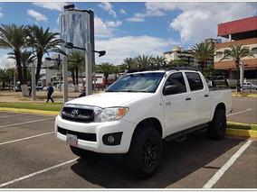 Toyota Hilux Doble Cabina 2.7 4x4