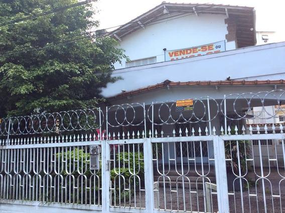 Excelente Casa Na Praça Da Biquinha