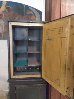 Caja De Seguridad Antigua De Hierro. Inglesa.