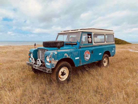 Land Rover Defender Santana