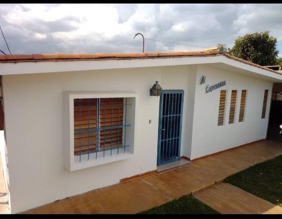 Casa Quinta De 4 Habitaciones Y Servicio , Mas Anexo