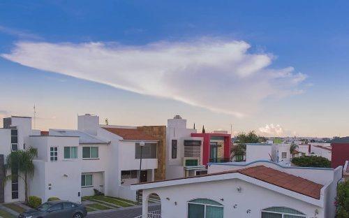 Se Vende Hermosa Casa En Centro Sur, Equipada Y De Lujo, Ubicadisima - Ganela !!