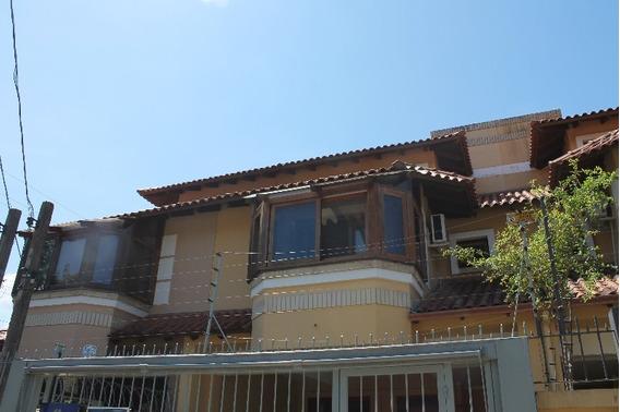 Casa Em Ipanema Com 3 Dormitórios - Lu265517