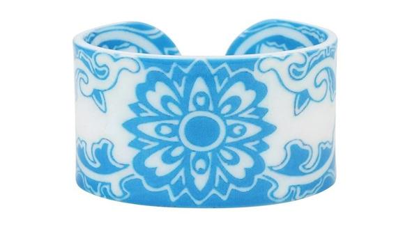 Pulsera Acrilico Diseños Color Azul Fondo Blanco